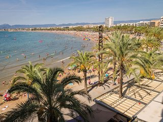 Spacious apartment right near the 'Playa Levante' in Salou with Lift, Parking, I