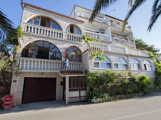 Spacious apartment in Arbanija with Parking, Internet, Air conditioning, Balcony