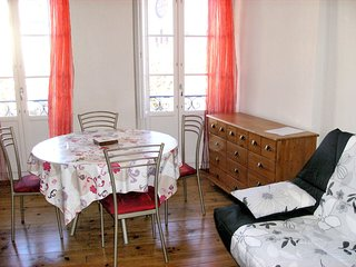 Cozy apartment in the center of Bagnères-de-Luchon with Parking