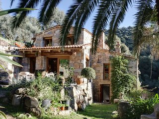 Spacious house in the center of Olmeto with Parking, Internet, Washing machine,