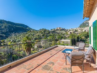 Cozy house in Valldemossa with Parking, Internet, Washing machine, Terrace