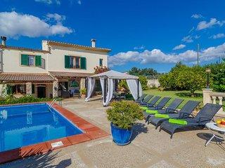 Spacious villa in Muro with Parking, Internet, Washing machine, Pool