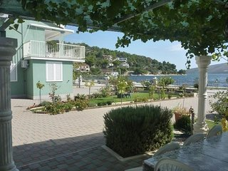 Cozy apartment in Gustirna with Parking, Internet, Air conditioning, Balcony