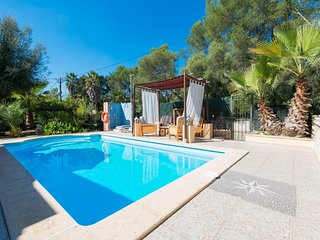 Spacious villa in Sa Pobla with Parking, Internet, Washing machine, Air conditio