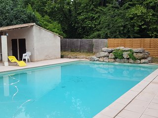 Cozy house in Lagrasse with Parking, Internet, Washing machine, Pool