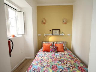 Cosy studio very close to the centre of Lisbon with Internet