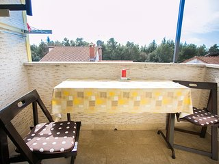 Cozy apartment very close to the centre of Porec with Parking, Internet, Air con