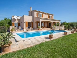 Spacious villa in Santanyí with Parking, Internet, Washing machine, Air conditio