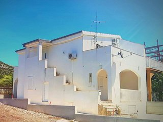 Spacious apartment in the center of Grebastica with Parking, Internet, Washing m