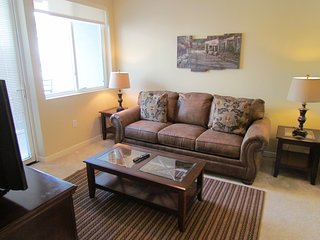 Fabulous, Brand New Miracle Mile Apartment