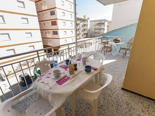 Spacious apartment in Miramar with Washing machine, Terrace