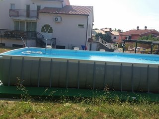 Spacious apartment very close to the centre of Kapelica with Parking, Internet,