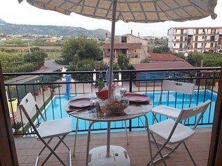 Cozy apartment in the center of Marina di Santa Maria del Cedro with Parking, Ba