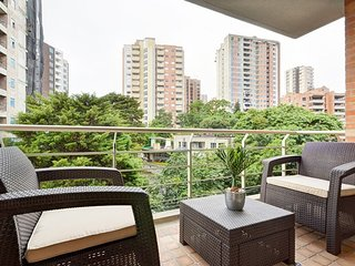 Cozy apartment in Medellin with Lift, Parking, Internet, Washing machine