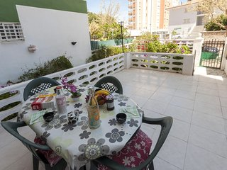 Spacious apartment in the center of Grau i Platja with Lift, Washing machine, Te