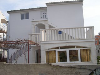 Spacious apartment in the center of Hvar with Parking, Internet, Air conditionin