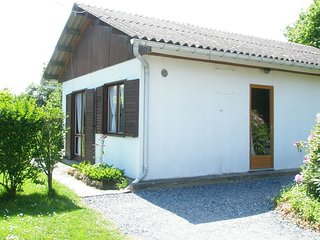 Cozy house in Saint-Pierre-de-Cormeilles with Parking, Washing machine, Garden,