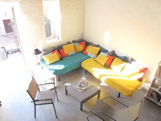 Cosy studio in the center of Villeneuve-les-Avignon with Parking, Washing machin