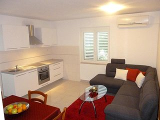 Spacious apartment in the center of Korcula with Internet, Washing machine, Air