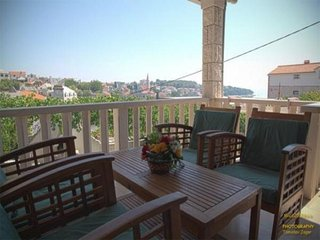 Spacious apartment in the center of Sumartin with Internet, Washing machine, Air