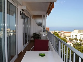Cozy apartment in the center of Torremolinos with Lift, Parking, Internet, Washi