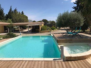 Spacious villa in Béziers with Parking, Internet, Washing machine, Pool