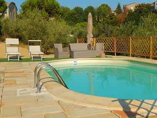 Spacious villa in Case di Montepetrino with Parking, Internet, Washing machine,
