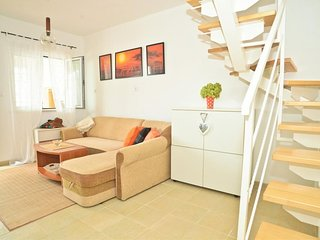 Spacious apartment in the center of Pag with Parking, Internet, Washing machine,
