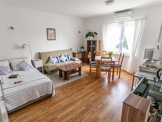 Cosy studio in the center of Zadar with Internet, Washing machine, Air condition