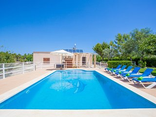 Spacious villa in Santa Margalida with Parking, Internet, Washing machine, Pool