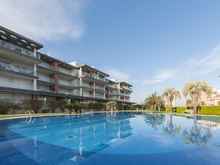 Spacious apartment in Oliva with Lift, Washing machine, Air conditioning, Pool