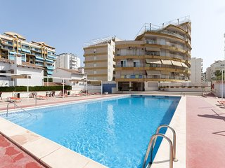 Spacious apartment very close to the centre of Grau i Platja with Lift, Washing