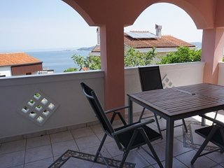 Cozy apartment in the center of Crveni Vrh with Parking, Internet, Air condition