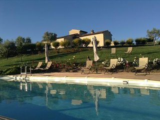 Spacious apartment in San Gimignano with Parking, Internet, Pool