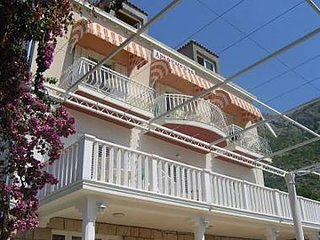 Cozy apartment in the center of Mlini with Parking, Internet, Air conditioning,