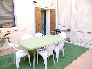 Cozy apartment in Marseille with Parking, Internet, Washing machine, Air conditi