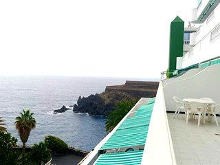 Spacious apartment a short walk away (98 m) from the 'Playa San Marcos' in Icod