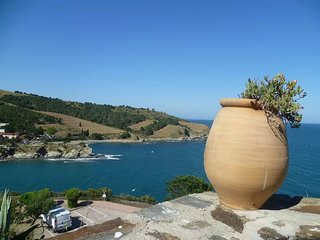 Cozy apartment very close to the centre of Banyuls-sur-Mer with Parking, Interne