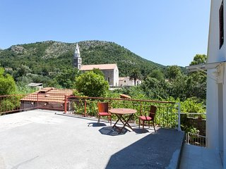 Cozy apartment in the center of Slano with Internet, Air conditioning, Terrace