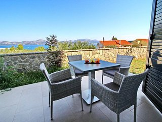Cozy apartment in the center of Drače with Parking, Internet, Air conditioning,