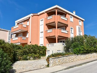 Spacious apartment in the center of Novalja with Parking, Internet, Air conditio