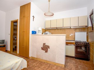 Spacious apartment in the center of Postira with Parking, Internet, Air conditio