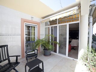 Spacious apartment in the center of Alicante with Lift, Parking, Internet, Washi