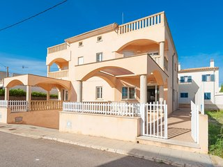 Spacious house in Sa Ràpita with Internet, Washing machine, Balcony, Terrace