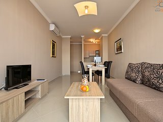 Spacious apartment in the center of Novigrad with Lift, Parking, Internet, Air c