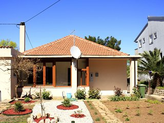 Cozy house in the center of Tkon with Parking, Internet, Washing machine, Air co