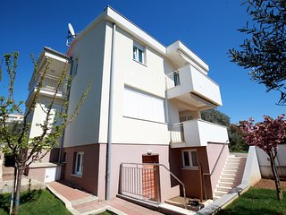 Cozy apartment in the center of Kozino with Parking, Internet, Washing machine,