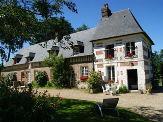 Cozy house in the center of Bretteville-du-Grand-Caux with Parking, Internet, Wa