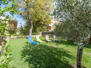 Spacious house a short walk away (240 m) from the 'Playa de Muro' in Alcudia wit