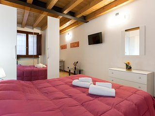 Cosy studio very close to the centre of Verona with Internet, Washing machine, A